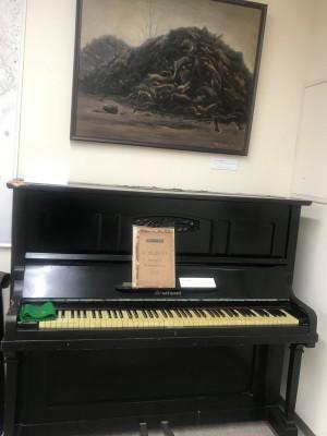 空襲・ピアノ